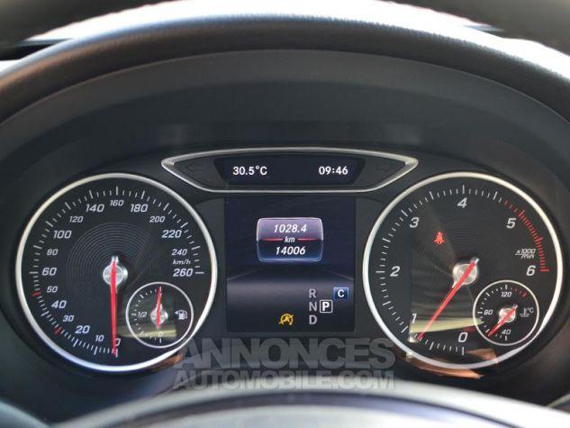 Mercedes Classe A 200 d Sport Edition 7G-DCT Gris Montagne Occasion - 12