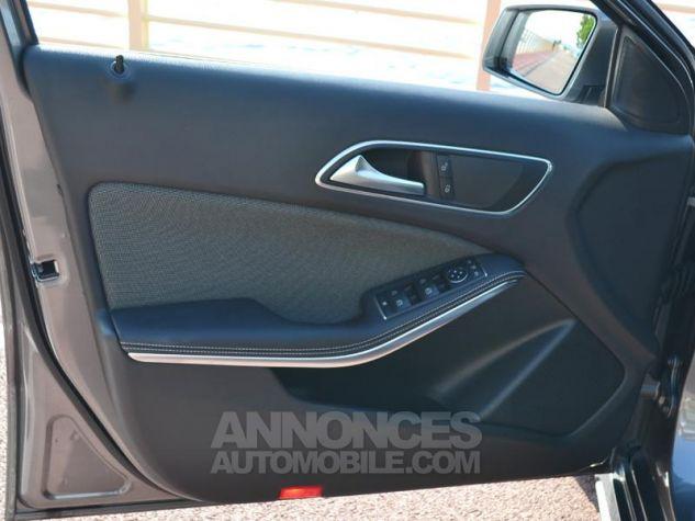 Mercedes Classe A 200 d Sport Edition 7G-DCT Gris Montagne Occasion - 17