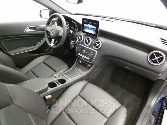 Mercedes Classe A 200 Sensation 7G-DCT Bleu Foncé Métal Occasion - 4