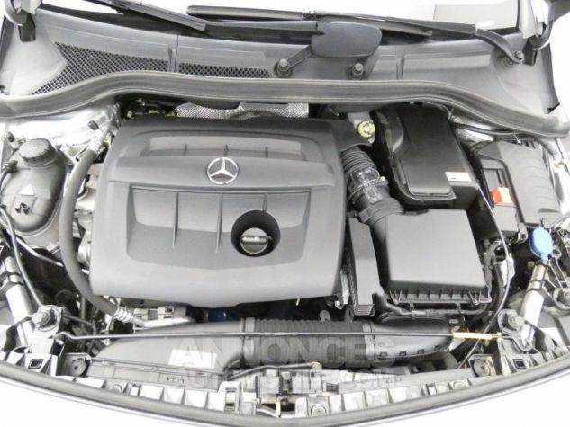Mercedes Classe B 160 d Business 7G-DCT Argent Polaire Occasion - 18