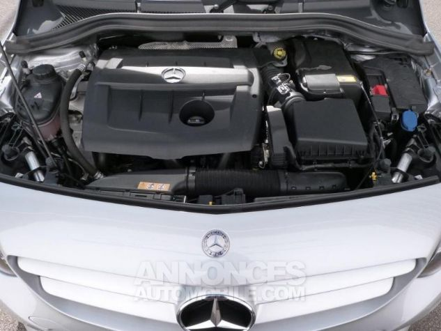 Mercedes Classe B 180 d Business 7G-DCT Argent Polaire Occasion - 16