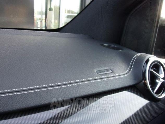 Mercedes Classe B 200d 136ch Starlight Edition 7G-DCT Euro6c Noir cosmos métallisé Neuf - 8