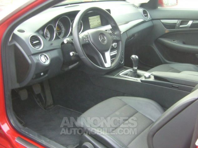 Mercedes Classe C III COUPE 220 CDI BLUEEFFICIENCY EXECUTIVE rouge Occasion - 7