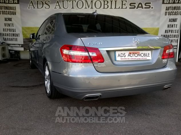 Mercedes Classe E 250 CDI BLUEEFFICIENCY Avantgarde Executive A Gris Occasion - 3