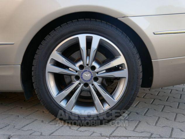 Mercedes Classe E 250 CDi Cabriolet 7G-Tronic, Caméra, COMAND, Pack Mémoire, LED ILS Argent Aragonite métallisé Occasion - 12