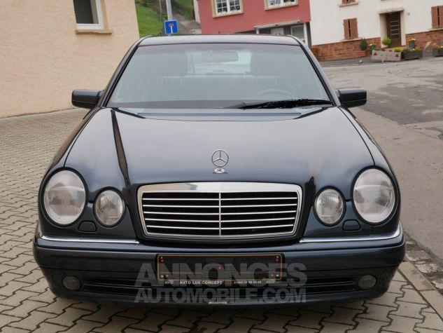 Mercedes Classe E 55 AMG Avantgarde, Navigation, BOSE Noir Émeraude métallisé Occasion - 2