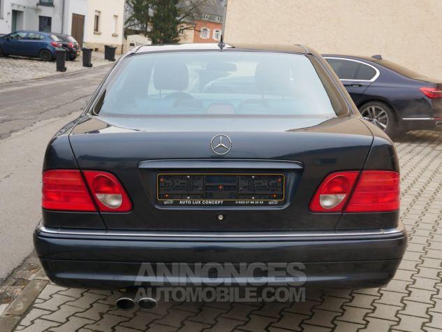 Mercedes Classe E 55 AMG Avantgarde, Navigation, BOSE Noir Émeraude métallisé Occasion - 5