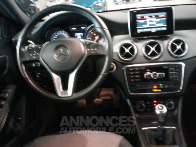 Mercedes Classe GLA 180 CDI Inspiration noir cosmos metal Occasion - 4