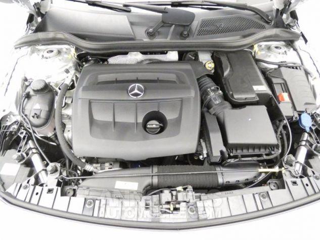 Mercedes Classe GLA 180 d Business Argent Polaire Occasion - 17