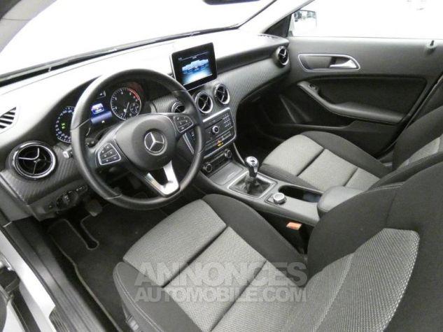 Mercedes Classe GLA 180 d Business Argent Polaire Occasion - 7