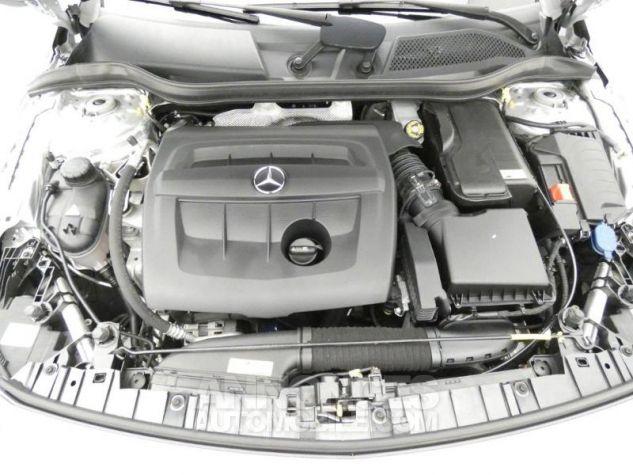 Mercedes Classe GLA 180 d Business Argent Polaire Occasion - 16