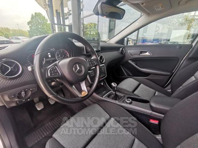 Mercedes Classe GLA 180 d Business Argent polaire métallisé Occasion - 5