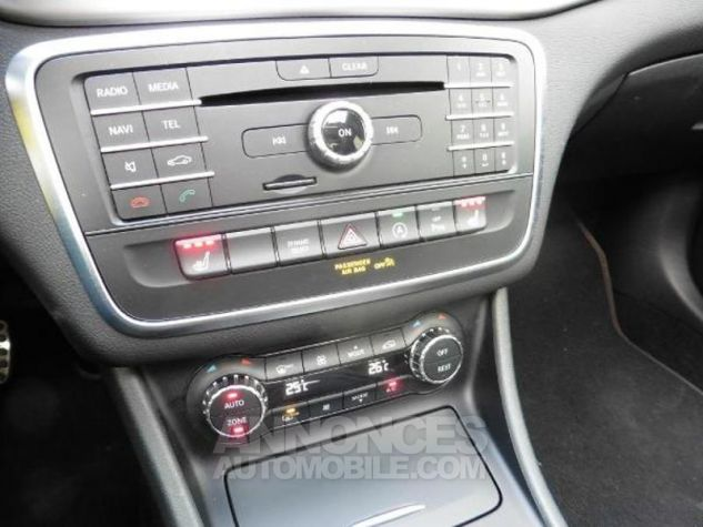 Mercedes Classe GLA 180 d Fascination 7G-DCT Blanc Occasion - 11
