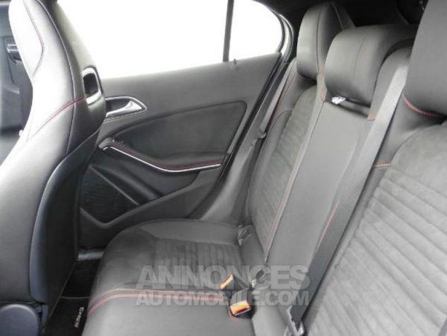 Mercedes Classe GLA 180 d Fascination 7G-DCT Blanc Occasion - 13