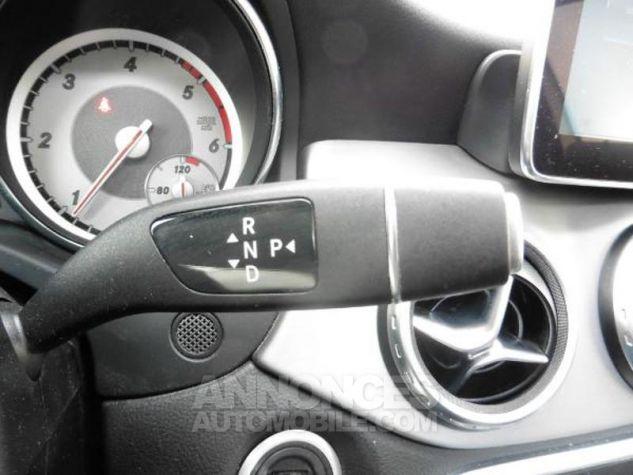 Mercedes Classe GLA 180 d Fascination 7G-DCT Blanc Occasion - 17