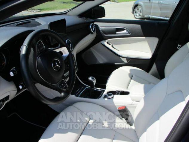 Mercedes Classe GLA 180 d Inspiration BLEU CAVANSITE Occasion - 2
