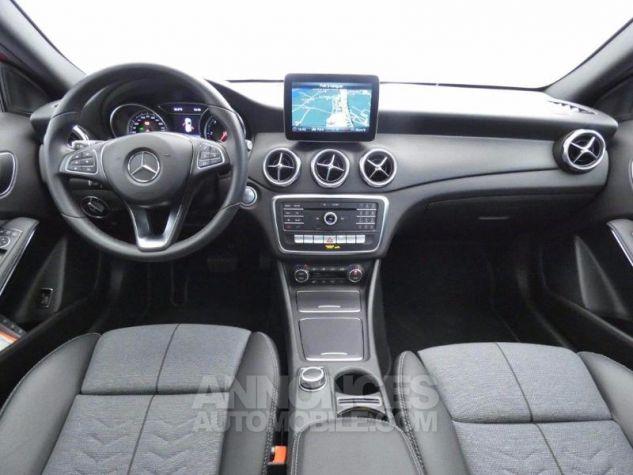 Mercedes Classe GLA 180 d Inspiration 7G-DCT Rouge Jupiter Occasion - 2
