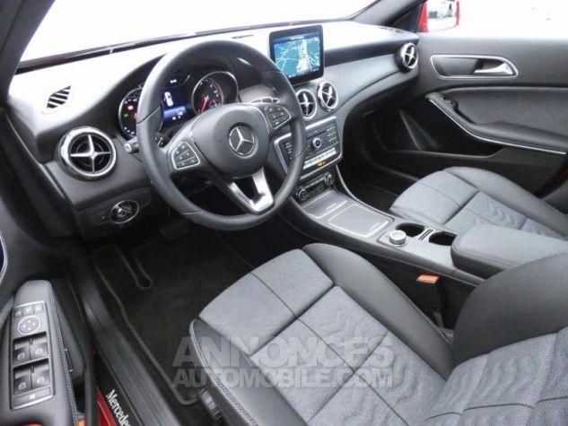 Mercedes Classe GLA 180 d Inspiration 7G-DCT Rouge Jupiter Occasion - 8