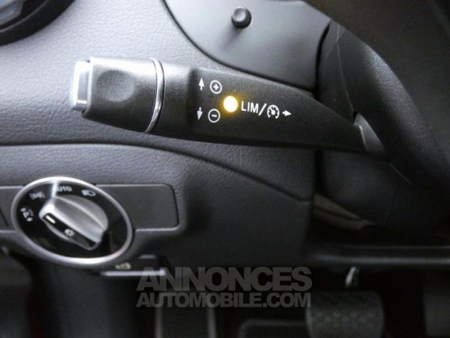 Mercedes Classe GLA 180 d Inspiration 7G-DCT Rouge Jupiter Occasion - 14
