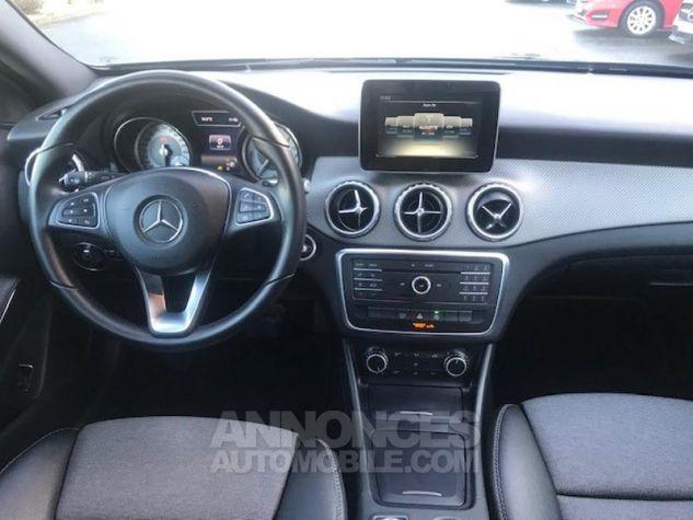 Mercedes Classe GLA 180 d Inspiration 7G-DCT Noir Occasion - 3
