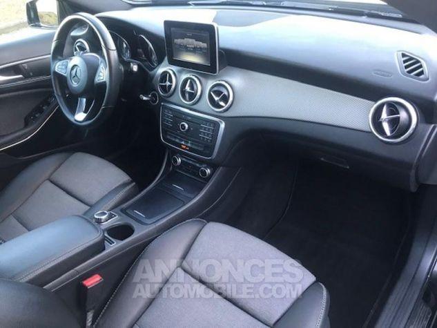 Mercedes Classe GLA 180 d Inspiration 7G-DCT Noir Occasion - 4