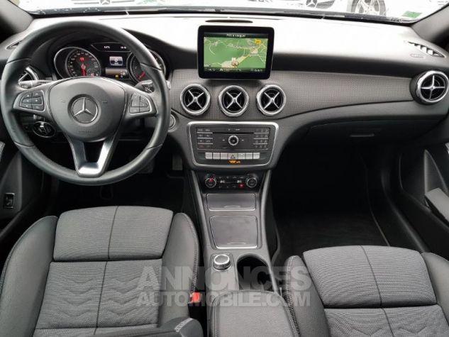 Mercedes Classe GLA 180 d Inspiration 7G-DCT NOIR COSMOS Occasion - 4