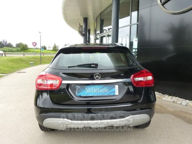 Mercedes Classe GLA 180 d Intuition 7G-DCT NOIR Occasion - 13