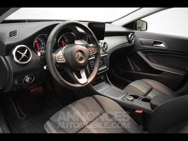 Mercedes Classe GLA 180 d Sensation 7G-DCT Noir Cosmos Occasion - 5