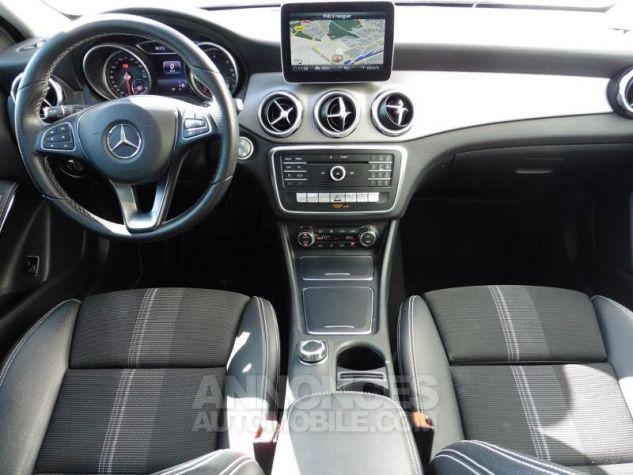Mercedes Classe GLA 180 d Sensation 7G-DCT Bleu Cavansite Occasion - 3
