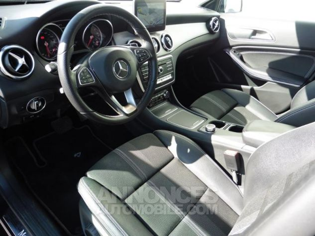 Mercedes Classe GLA 180 d Sensation 7G-DCT Bleu Cavansite Occasion - 6