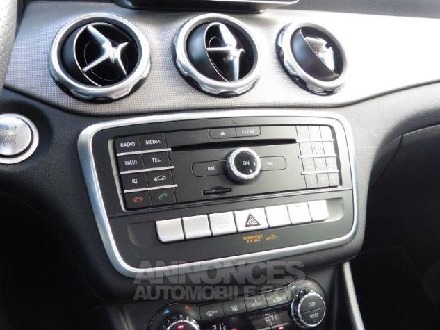 Mercedes Classe GLA 180 d Sensation 7G-DCT Bleu Cavansite Occasion - 16
