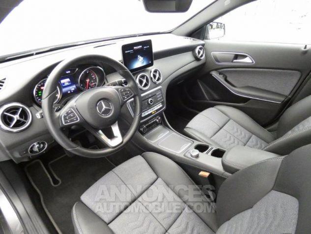 Mercedes Classe GLA 180 Inspiration 7G-DCT Gris Montagne Occasion - 7