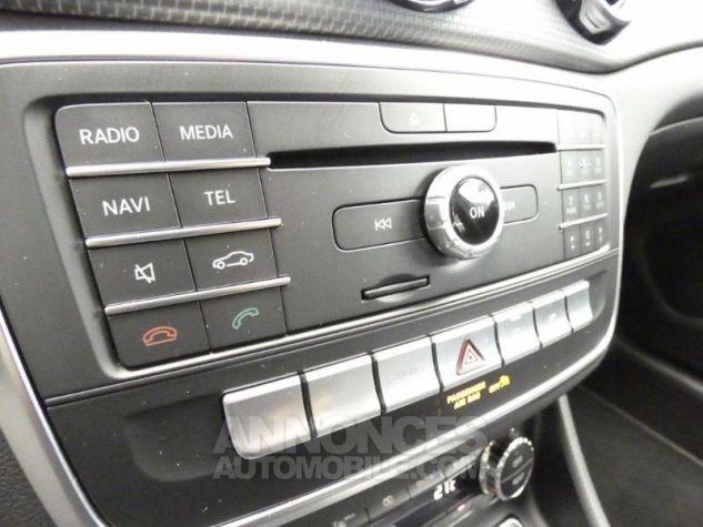 Mercedes Classe GLA 180 Inspiration 7G-DCT Gris Montagne Occasion - 12