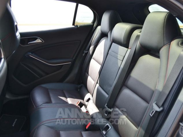 Mercedes Classe GLA 200 CDI Fascination 4Matic 7G-DCT Gris Mate Covering/ Blanc orig Occasion - 15