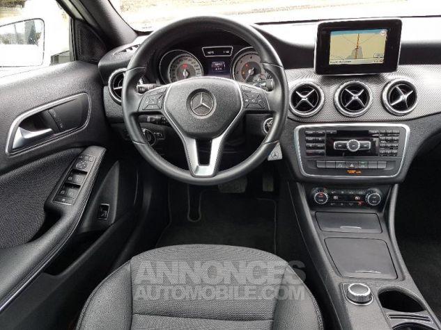 Mercedes Classe GLA 200 CDI Inspiration 7G-DCT Blanc calcite Occasion - 3