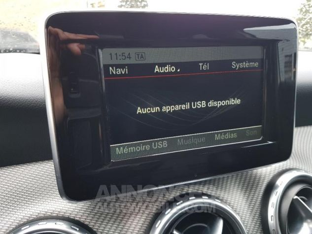Mercedes Classe GLA 200 CDI Inspiration 7G-DCT Blanc calcite Occasion - 11