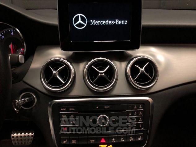 Mercedes Classe GLA 200 d 4Matic 7-G DCT GRIS Occasion - 11