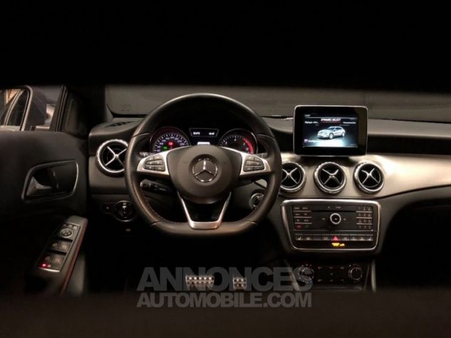 Mercedes Classe GLA 200 d 4Matic 7-G DCT GRIS Occasion - 13