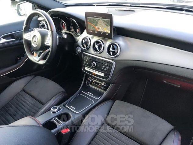 Mercedes Classe GLA 200 d Fascination 7G-DCT gris montagne Occasion - 4