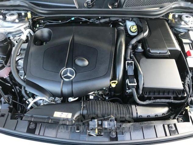 Mercedes Classe GLA 200 d Fascination 7G-DCT gris montagne Occasion - 8