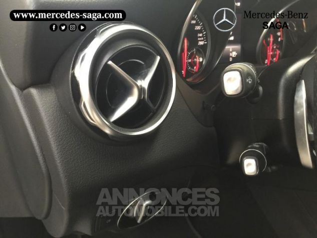 Mercedes Classe GLA 200 d Fascination 7G-DCT Blanc Cirrus Occasion - 11