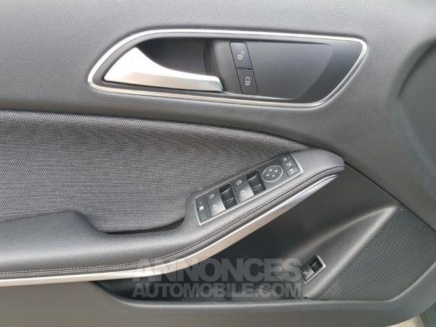 Mercedes Classe GLA 200 d Inspiration 7G-DCT ARGENT POLAIRE Occasion - 10