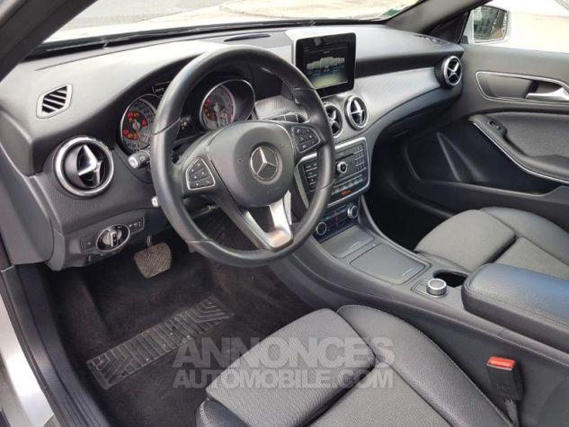 Mercedes Classe GLA 200 d Inspiration 7G-DCT ARGENT POLAIRE Occasion - 11