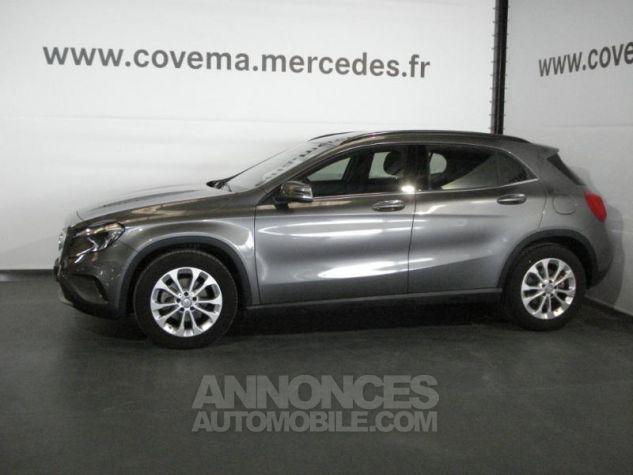 Mercedes Classe GLA 200 d Inspiration gris montagne metal Occasion - 1