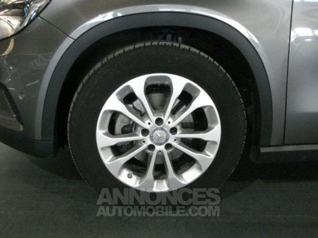 Mercedes Classe GLA 200 d Inspiration gris montagne metal Occasion - 9