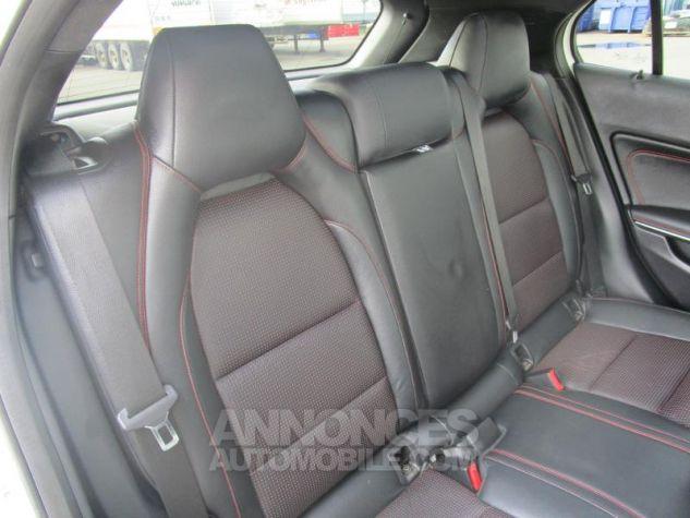 Mercedes Classe GLA 220 CDI Fascination 4Matic 7G-DCT BLANC CIRRUS Occasion - 3