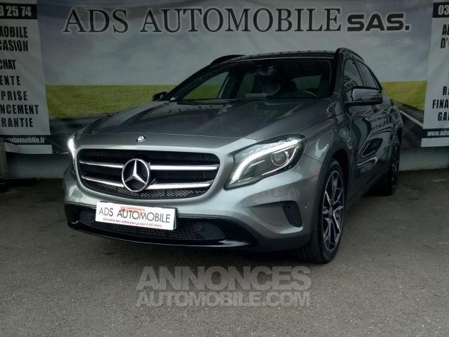 Mercedes Classe GLA 220 D 4-MATIC Sensation 7-G DCT A Gris Occasion - 2
