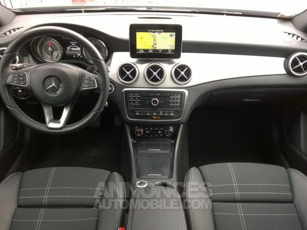 Mercedes Classe GLA 220 D 4-MATIC Sensation 7-G DCT A Gris Occasion - 4