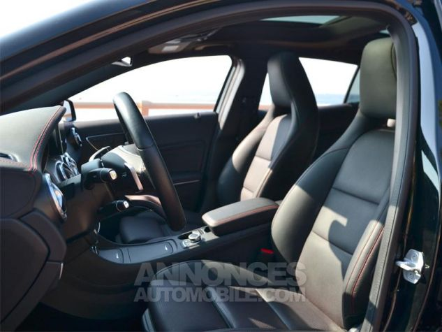 Mercedes Classe GLA 220 d Fascination 4Matic 7G-DCT Noir Occasion - 4