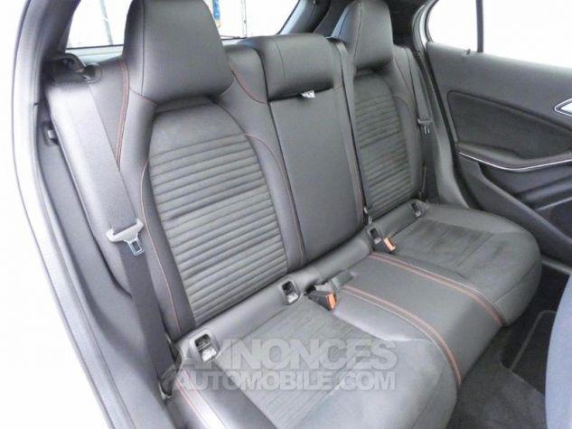 Mercedes Classe GLA 220 d Fascination 7G-DCT Blanc Cirrus Occasion - 16